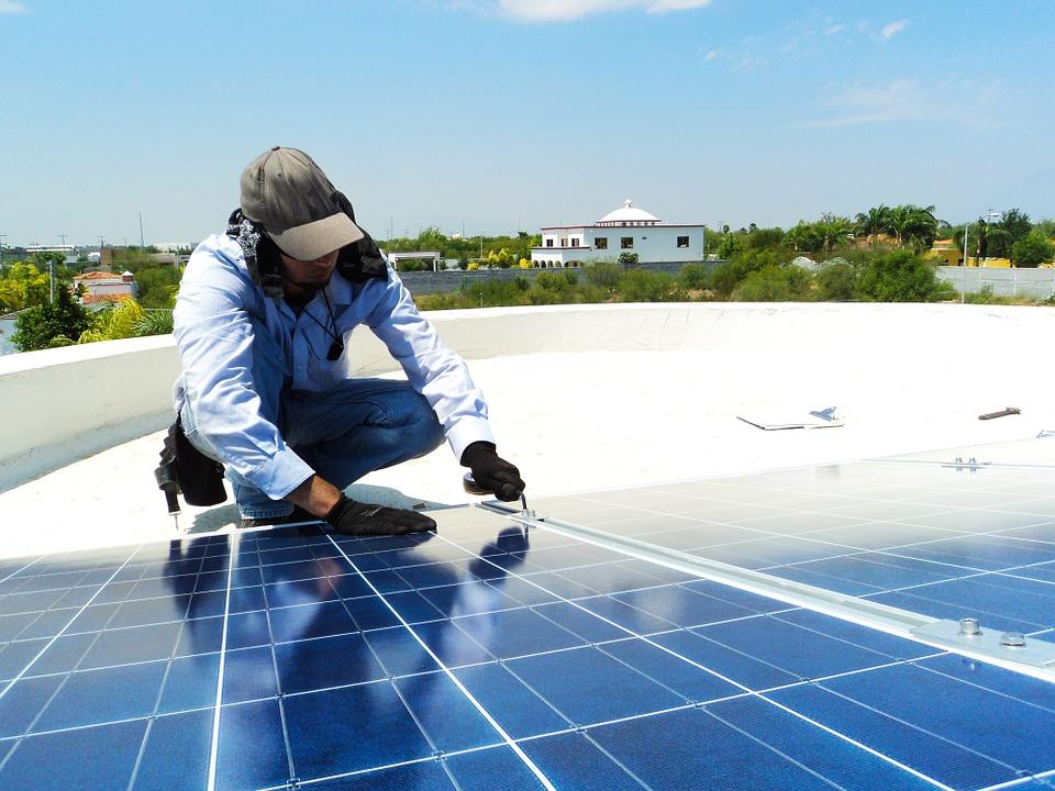 ¿Es fácil mantener unas placas solares?