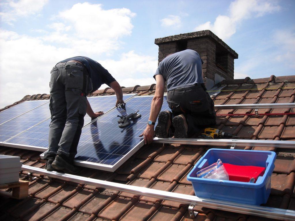 La importancia de la limpieza de paneles solares