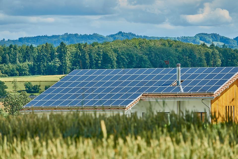 Instalación paneles solares, inversión de futuro
