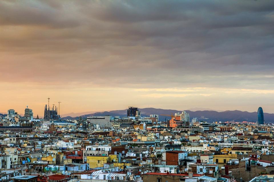Placas solares en Barcelona, se dobla su presencia