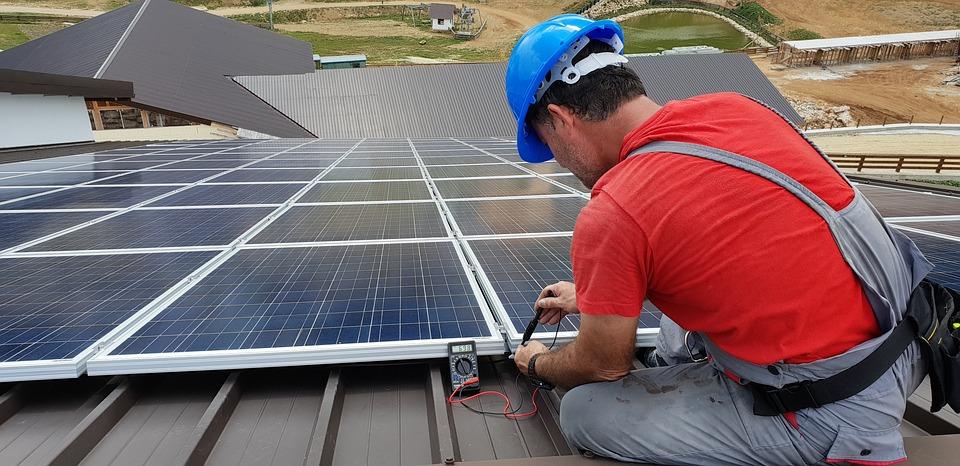 ¿Puedo instalar placas solares en mi vivienda?