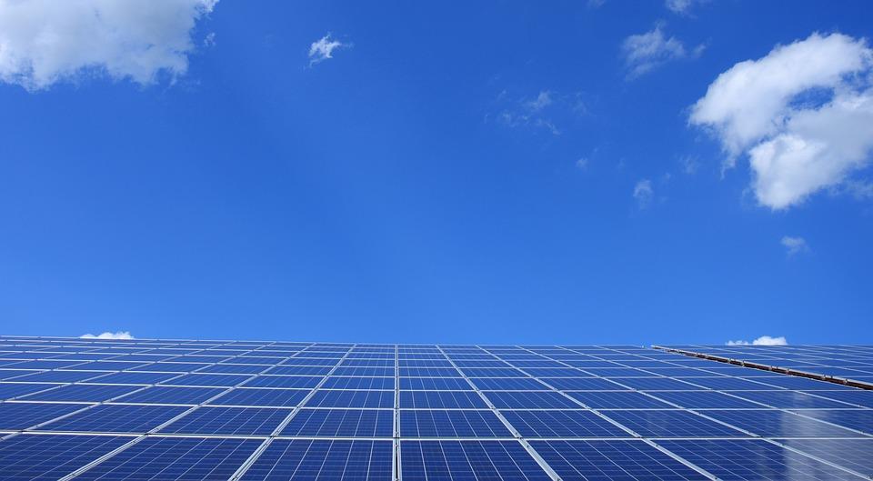 ¿Cuánta energía proporciona un panel solar?