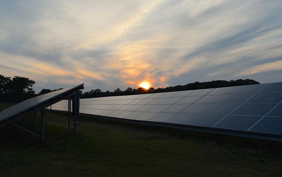 ¿Cuántos años dura un panel solar?