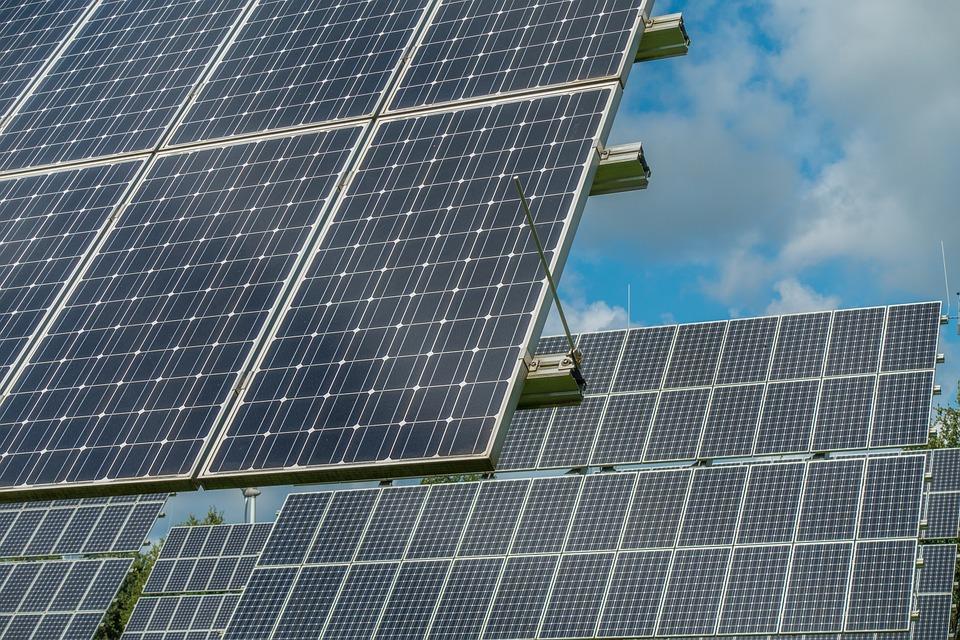 Ahorra con paneles solares