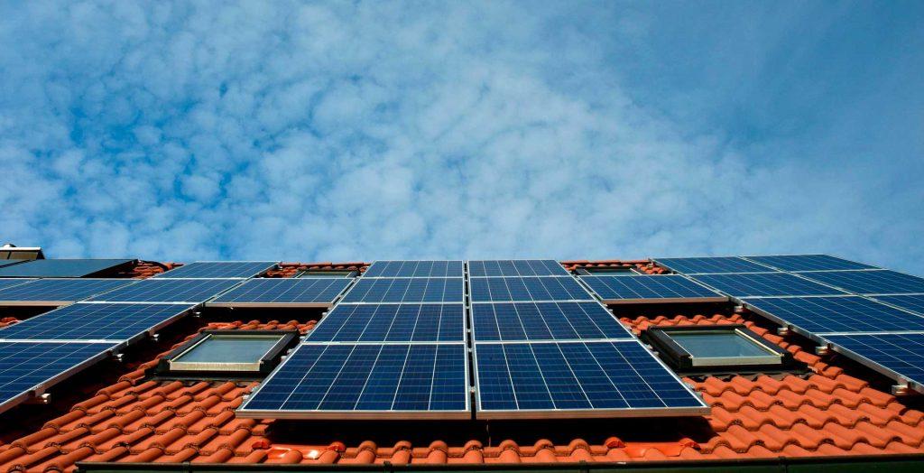 Las ventajas y beneficios de la energía solar